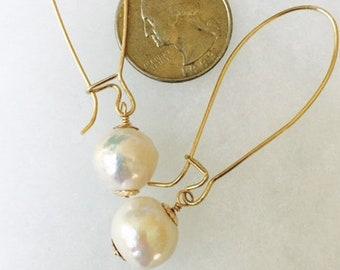 Pearl Earrings in Gold