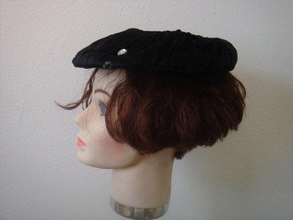 Vintage Beret Hat Black Velvet - image 2