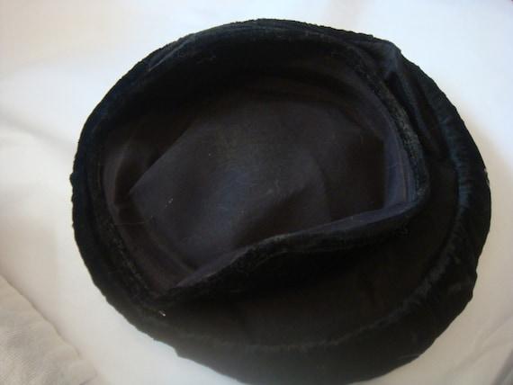 Vintage Beret Hat Black Velvet - image 4