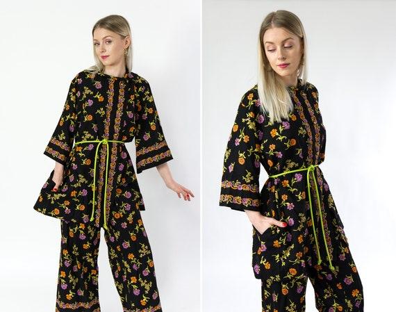 vintage 1960s outfit | two piece 60s pantsuit | tunic and pants set | 60s pant suit