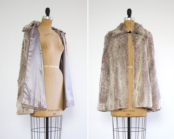 vintage 1960s faux fur cape | purple capelet | 60s faux fur purple cape
