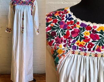 70s Mexican hand embroidered colorful floral Oaxaca peasant boho bohemian white long sleeve maxi dress women's size medium