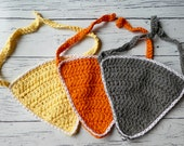 Easy crochet triangle baby bib bandana pattern PDF instant download present gift craft shows baby shower MI designer