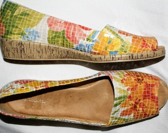 "1980's Vintage Aerosoles ""Sprig Break"" Open Toe Wedges Floral Size 12 M"