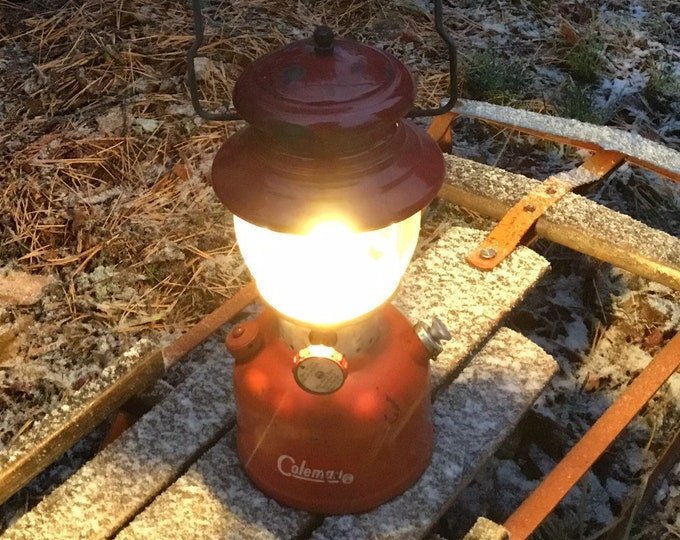 1962 Coleman Lantern * Rustic Cabin Decor * Red 200A Single Mantle  * Working Condition