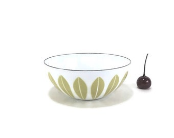 """5-1/2"""" Cathrineholm Butterscotch Yellow on White Lotus Bowl"""