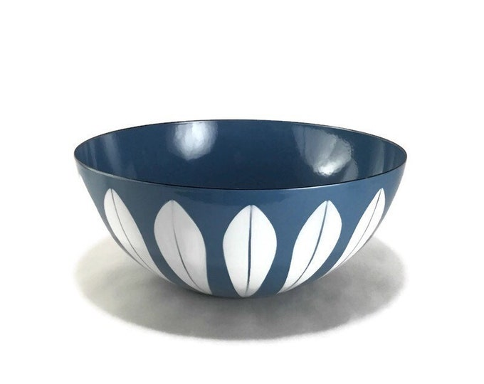 "Vintage 8"" Cathrineholm White on Blue Lotus Bowl"