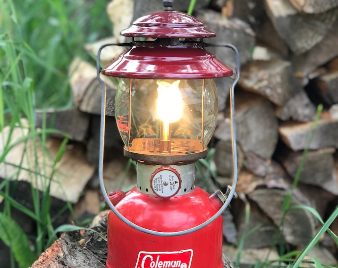 1966 Coleman Lantern * Rustic Cabin Decor * Red 200A Single Mantle * Working Condition