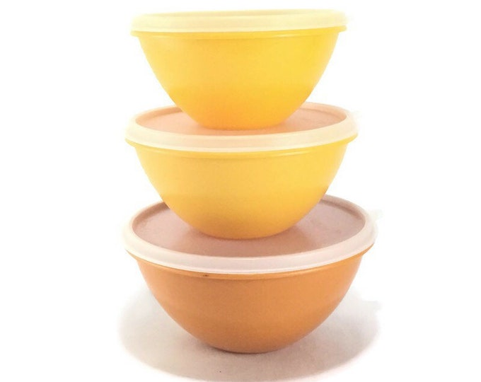 Vintage Tupperware Nesting Bowls with Seals * Set of 3 Orange