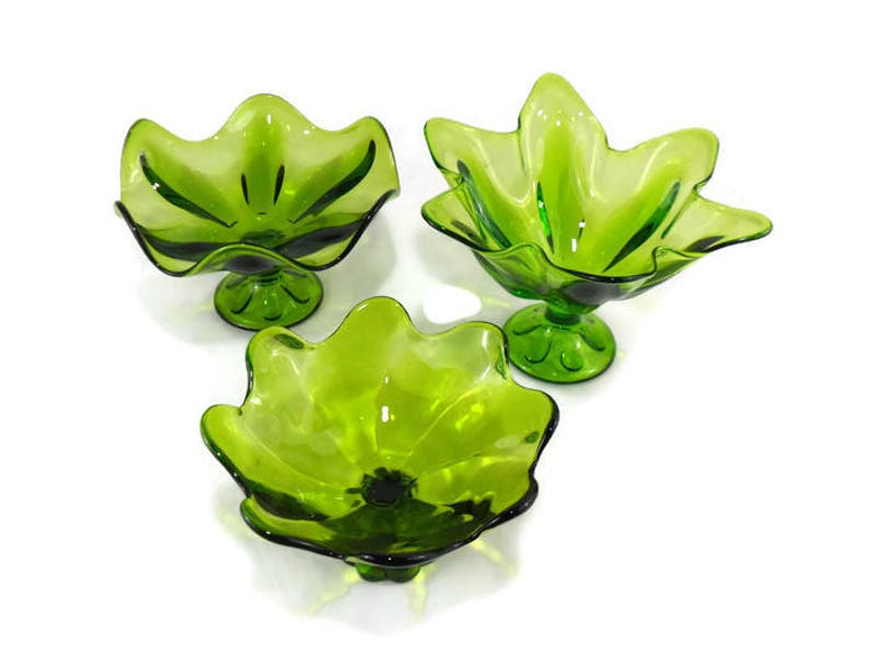 11 Inch Viking Epic Six Petal Lime Green Crimped Compote Footed Fruit Bowl