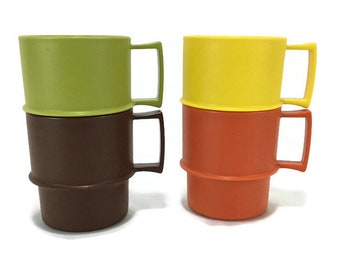 Vintage Tupperware Mugs * Stackable Coffee Cups * Set of 4 #312