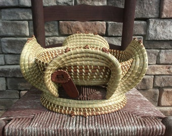 Sweetgrass Oval Stand Basket with Foot