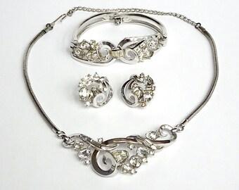 Trifari Promenade Necklace Bracelet Earrings- Trifari Parure- 1952 Trifari Ad – Alfred Philippe Trifari – Book Set - Vintage Jewelry
