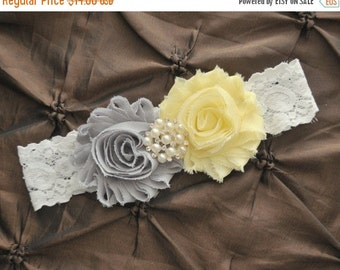 Wedding Garter Belt, Bridal Garter - White Lace Garter, Keepsake Garter, Light Yellow Wedding Garter, You Pick Colors, Yellow Garter