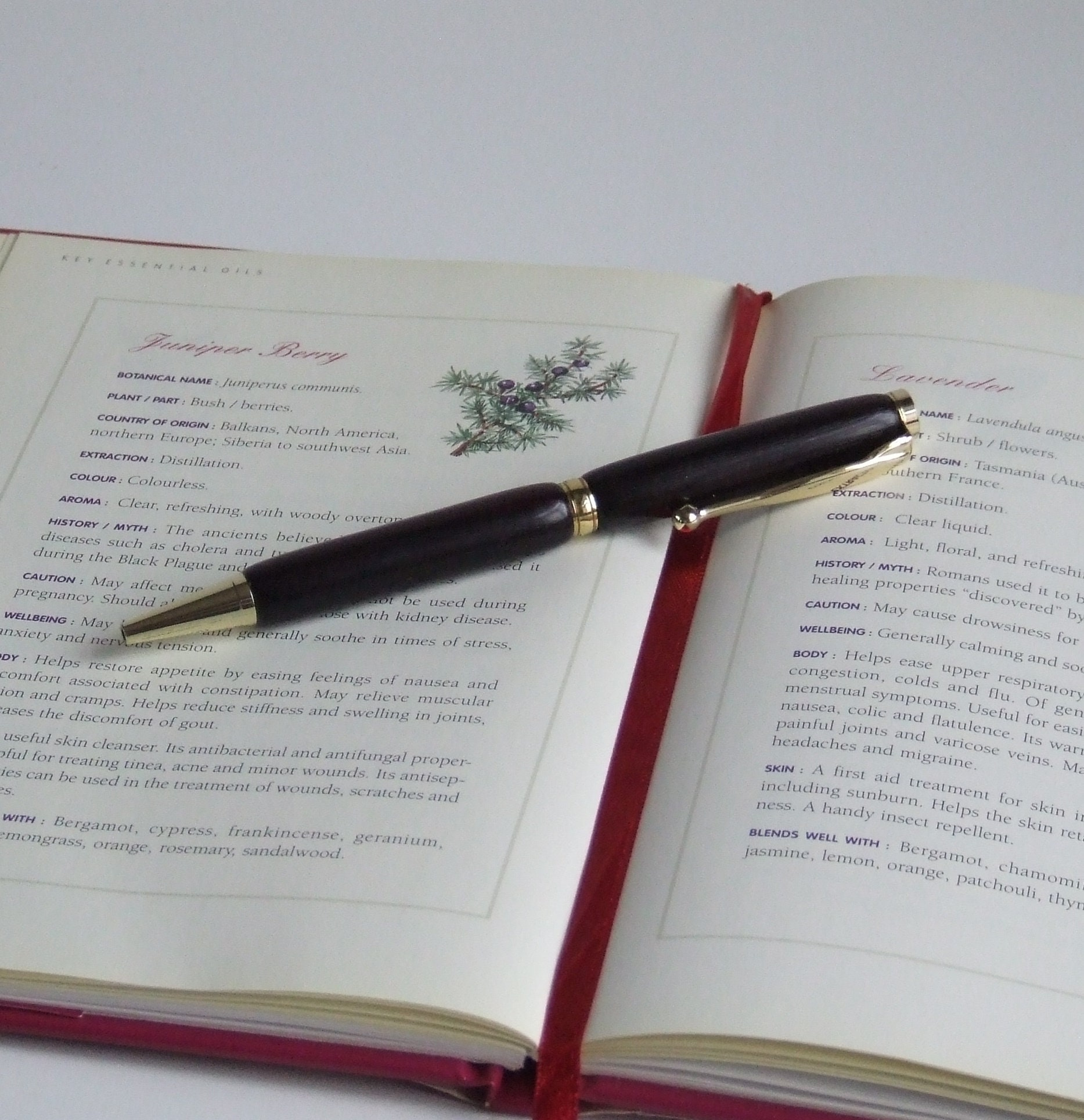 Handcrafted woodturned twist ballpoint pen