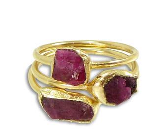 Raw Ruby Ring, Ruby, July Birthstone Ring, Ruby Ring, Natural Madagascar Stone,Raw Gemstone Ring, Ruby Stacking Ring, Gold Ring,Minimal Ring