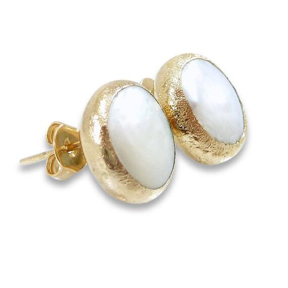 Gold Pearl Stud Earrings Pearl Earrings June Birthstone Etsy
