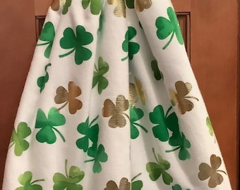 Double kitchen towel extra wide cotton St.Pat green gold shamrocks crocheted green top pattern similar down other side