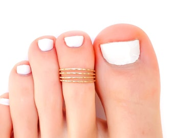 Gold Toe Ring, Hammered Toe Ring, Gold Filled Toe Ring, Gold Knuckle Ring, Gold Midi Ring, Summer Ring, 14K Gold-Filled Toe Ring, Toe Rings