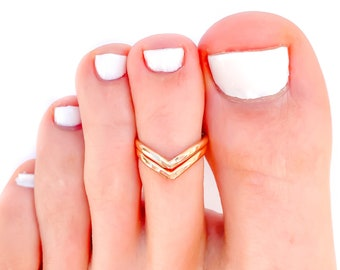 Gold Toe Ring, Chevron Toe Ring, Toe Ring, Summer Jewelry, Adjustable Toe Ring, Gold Filled Toe Ring, Gift for Her