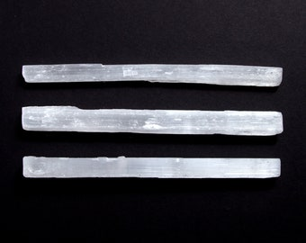 One Rough Selenite Crystal Wand - Raw Thin White Healing Crystal - Gemstone for Cleansing and Purification - New Age Rocks and Sticks