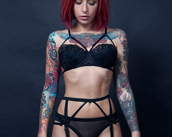 b50c7bd0f9 HYACINTH mix-and-match lingerie set in black