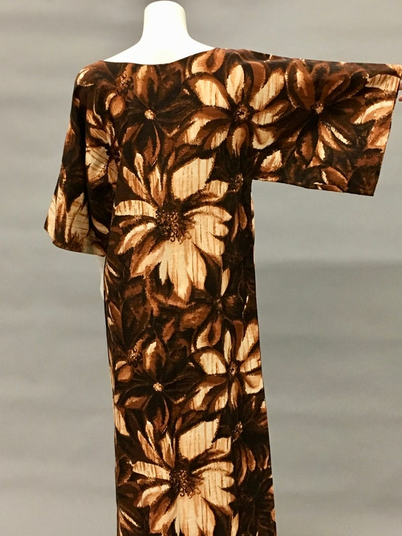 Vintage 60s Brown Batik Dress~Kimono Sleeve~Islan… - image 2