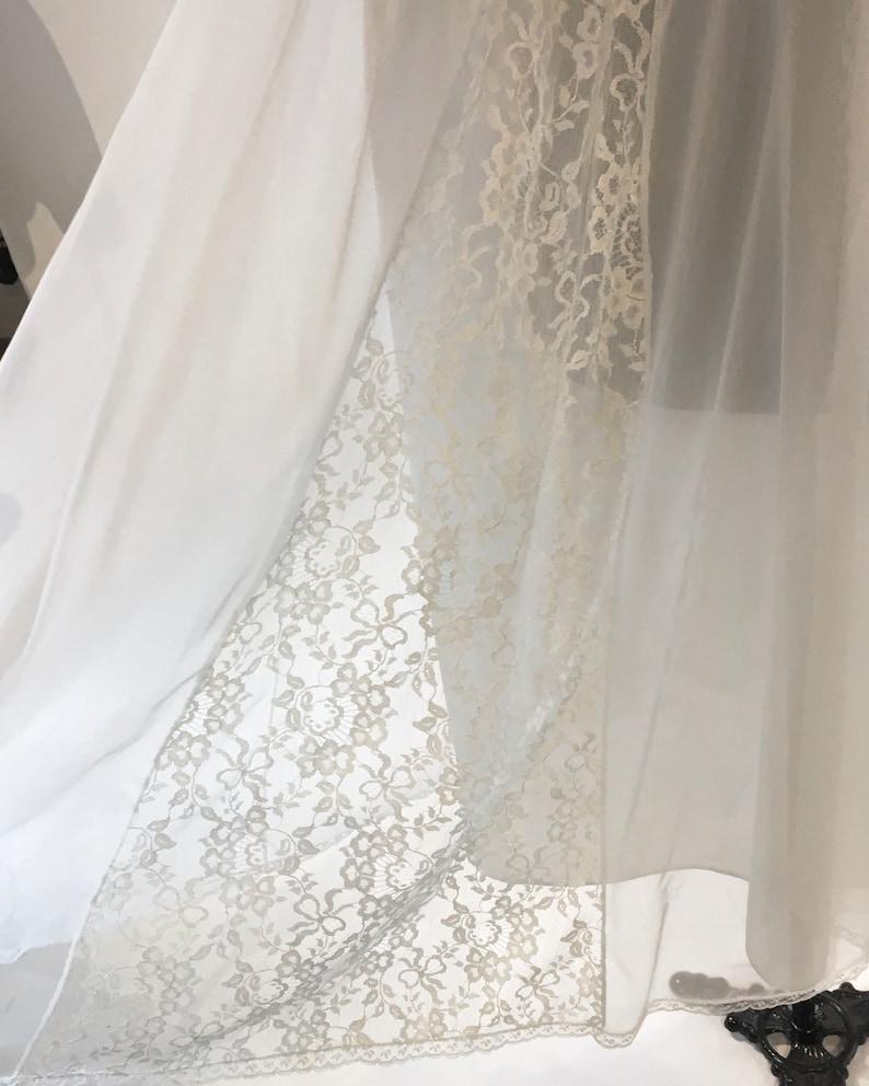 Beautiful Vintage White Chiffon and Lace Peignoir Set ~ Bridal Lingerie ~ Van Raalte Lingerie ~ Honeymoon White Chiffon and Lace