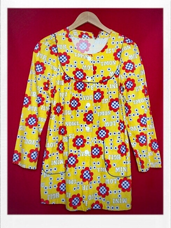 "Vintage Women's Flower Child Print Jacket 17"" width 29"" length"