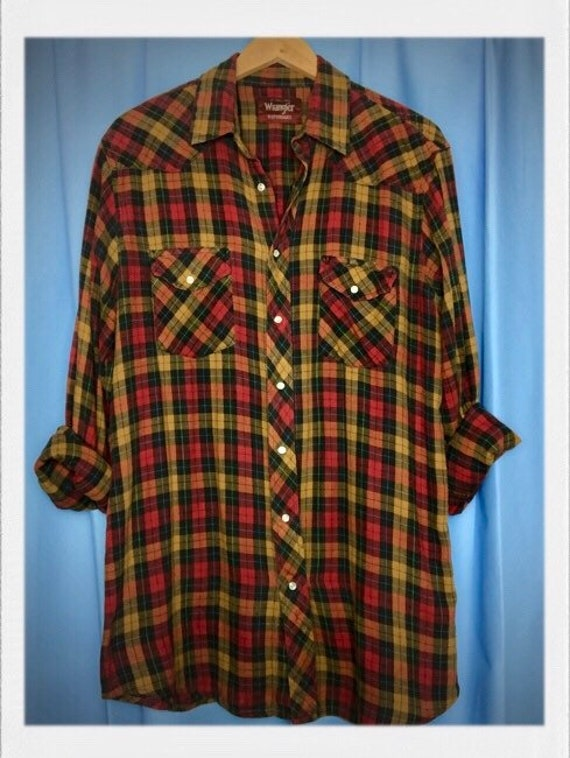 "Vintage Men's Wrangler Plaid Flannel Shirt Large Tall 22"" width 32"" length"