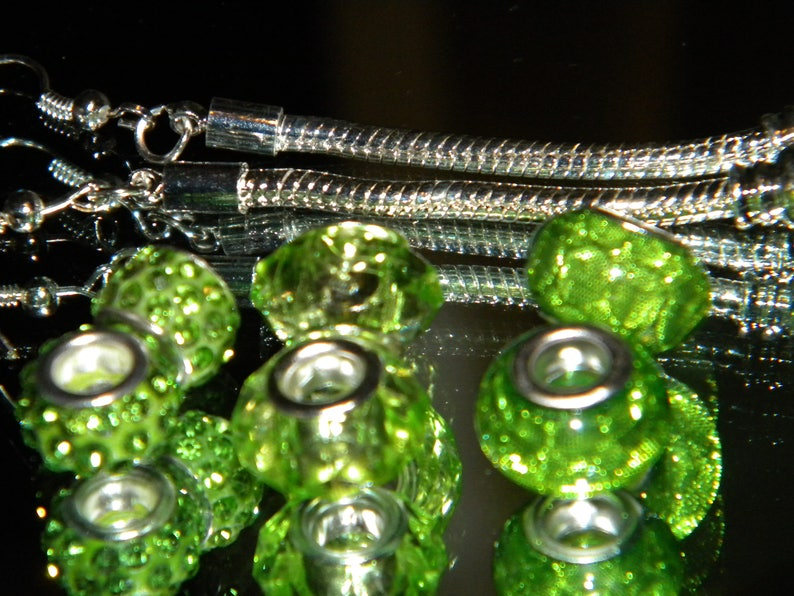 Resin Mixed GRe NEW 1 Pair Snake chain European earrings /& 6 GREEN Charm Beads lot Glitter Paved large hole spacer charm Beads lot