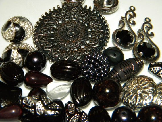 Jesse James Beads TOTAL ECLIPSE ~ Jewelry Beads Inspiration Collection