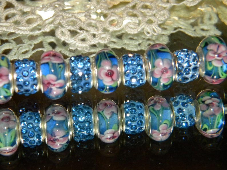 Only ML47 /& Crystal Paved 5mm large hole spacer Beads lot NEW 9pc Periwinkle Floral Glass Murano lampwork European Style Charm Beads