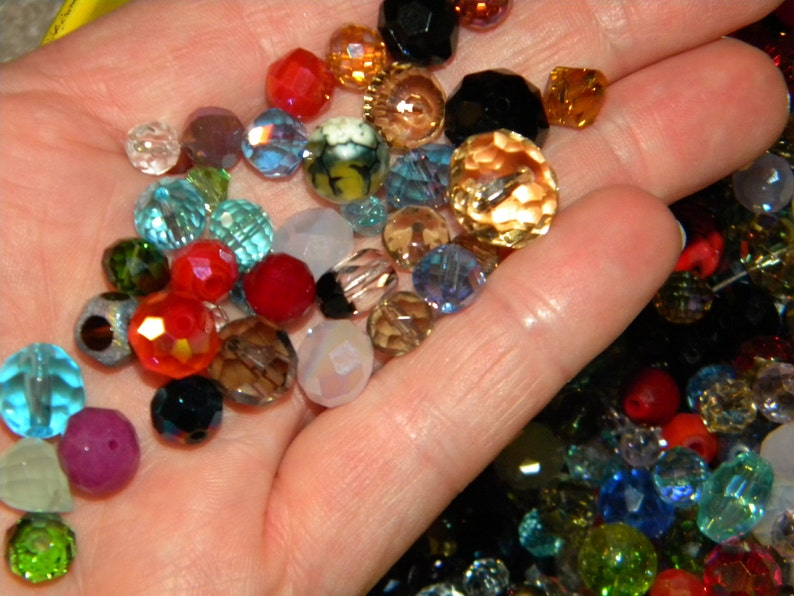 AB Faceted crystal glass BEADS Random Mixed different sizes /& colors New 200pc Glass beads 6-10mm Loose CZECH shapes