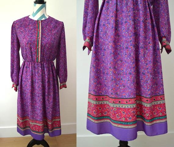 Vintage 70s Hippie Floral Printed Shift Dress Long