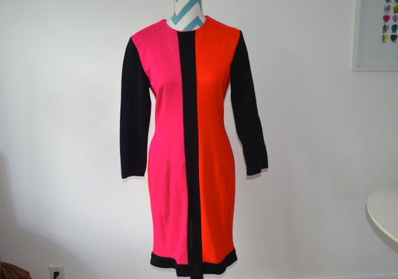 Vintage Color Blocked Long Sleeved Dress - Mondria