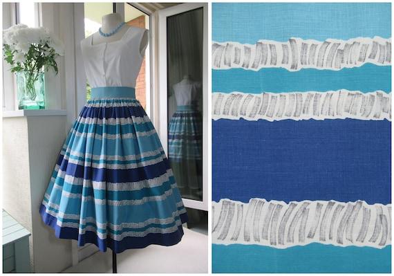 1950s Skirt 50s Novelty Print Skirt in Blue and Wh