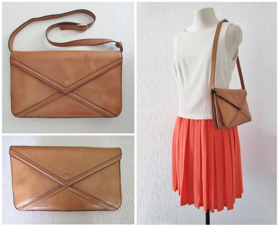 1970s Brown Leather Bag Convertible to Shoulder Ba