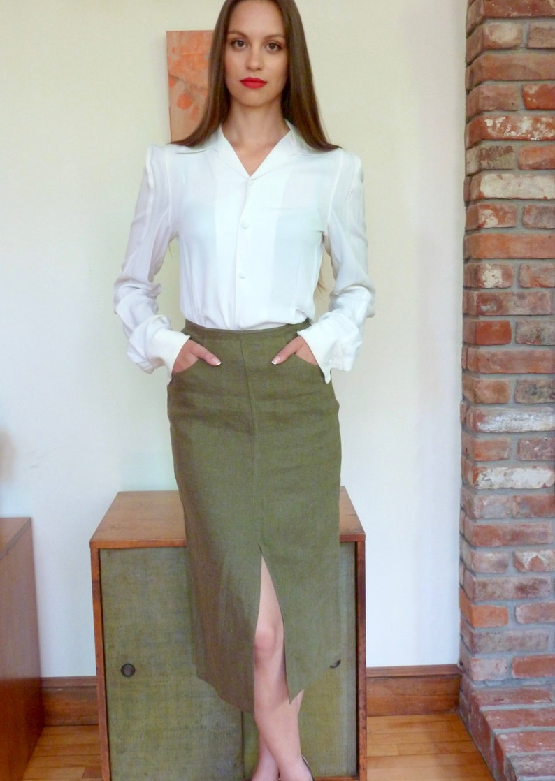 7d8bd012d828c NWT 1994 Prada Moss Green Linen Pencil Skirt Pockets and High Front Vent  Mid Calf Length