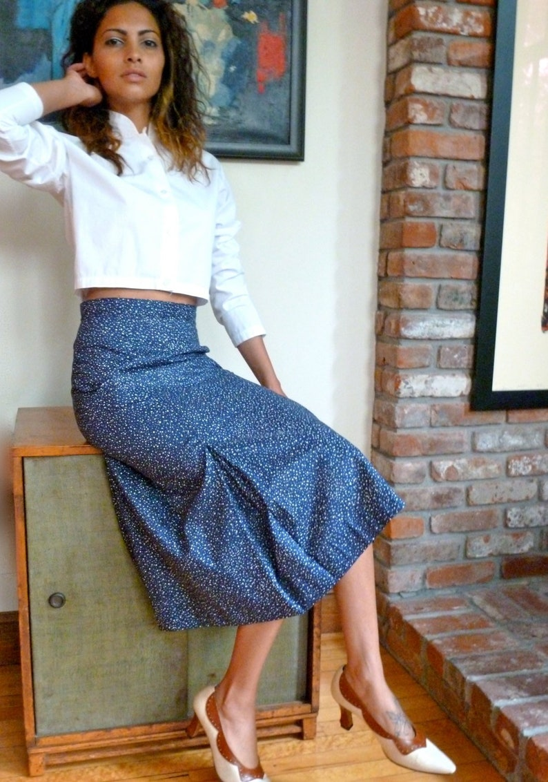 e2a4ce9a71ab9 1960s Vintage Navy Blue Polished Cotton Skirt w White Polka Dots A Line w  Pleats Mid Calf Midi