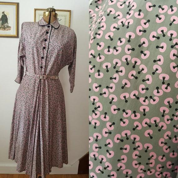 Vintage 1950s Rayon Novelty/Atomic Print Dress