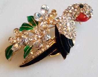 RHINESTONE BIRD BROOCH! Gorgeous Figural Pin/Accessory. Sparkling Crystals.  Fabulously Detailed U0026 Realistically Enameled. Gold Tone Setting.