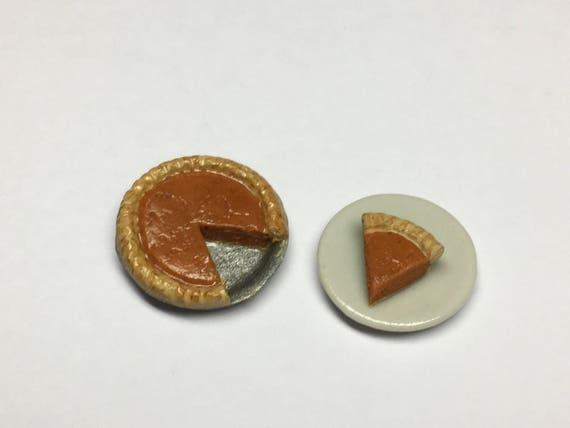 Dollhouse Miniatures Handcrafted Apple Pie in Tiny Metal Pie Plate.1:12 scale