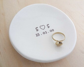 Personalised ring dish. White porcelain ceramic round bowl. Perfect for wedding pillow alternative. Wedding or engagement gift.