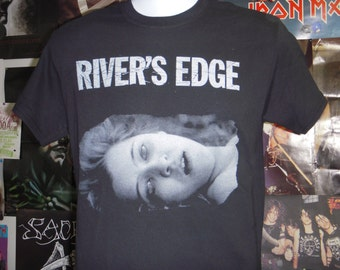 d6dcc221335 River's Edge Movie T-shirt (FREE SHIPPING in the Usa only) Crispin Glover  Keanu Reeves Dennis Hopper Cult Classic Film Slayer Headbangers