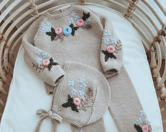 Set of 3 - Sweater, pants and bonnet - Baby girl outfit - Baby girl set - Baby photo prop - Baby girl - Baby outfit - Beige