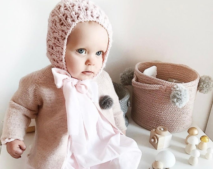Featured listing image: Sitter girl bonnet - Baby girl bonnet - Sitter props - Baby girl hat - Photo props - Girl bonnet - Photography props - Pale pink bonnet
