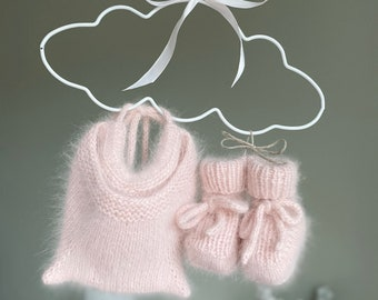 3-6 months - Kitty bonnet and booties set - Angora bonnet - Kitty hat - Baby girl - Baby girl - Kitty bonnet - Angora - Set of 2 - Pale pink