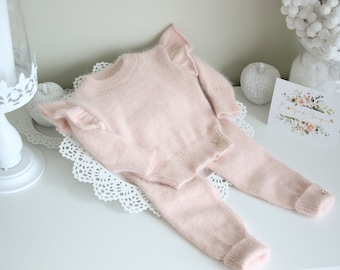 Sweater and pants  - Baby girl outfit - Baby girl set - Winter girl outfit - Girls knitting set - Angora - Pale pink - Baby girl - Ruffles