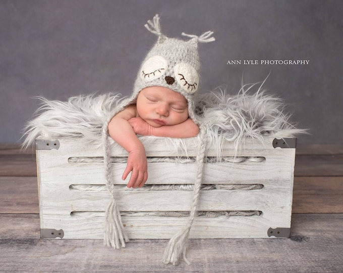 Featured listing image: Newborn owl - Owl boys hat - Photo prop hat - Newborn props - Baby boy props - Photo prop owl - Baby boy props - Photo hat - Light brown